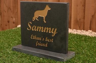 Pet memorial headstones with plinths